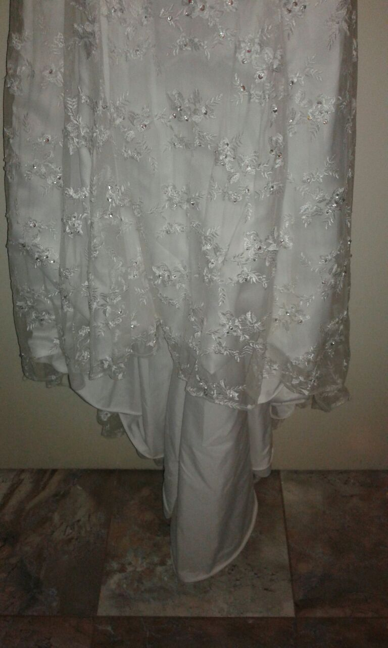 Size 16-18 wedding dress for sale