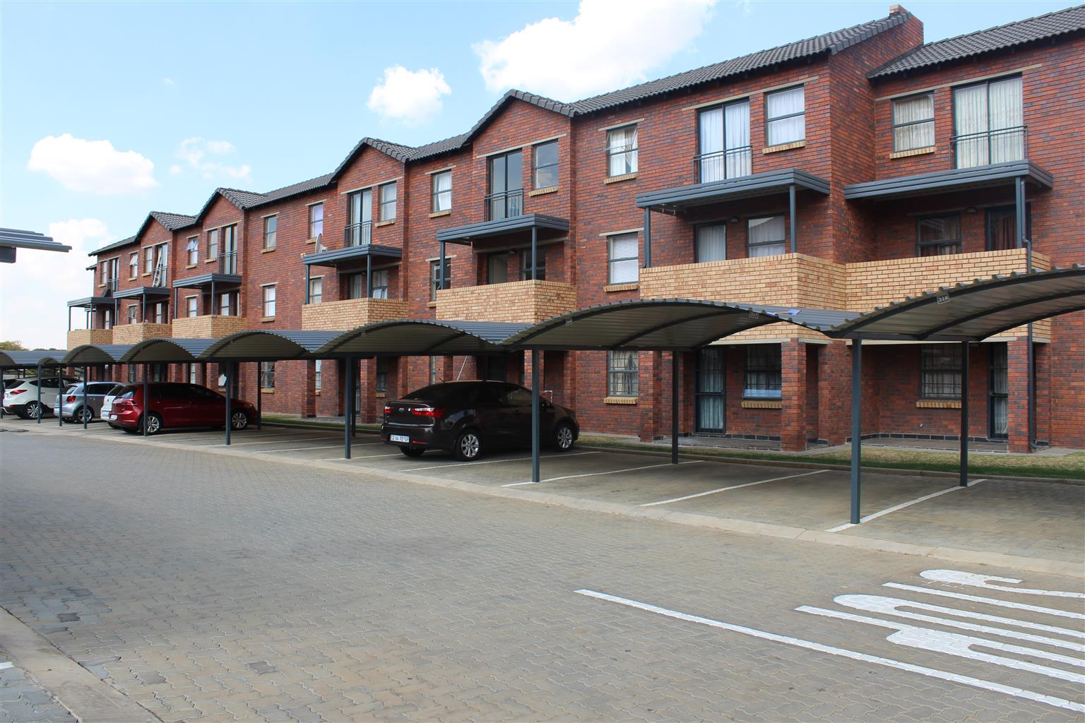 Lovely and Modern 2bedroom in Security Complex