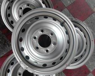 FORD / MAZDA 16 inch Steel Rims {Set of 5}. With Central Cabs for R1500.
