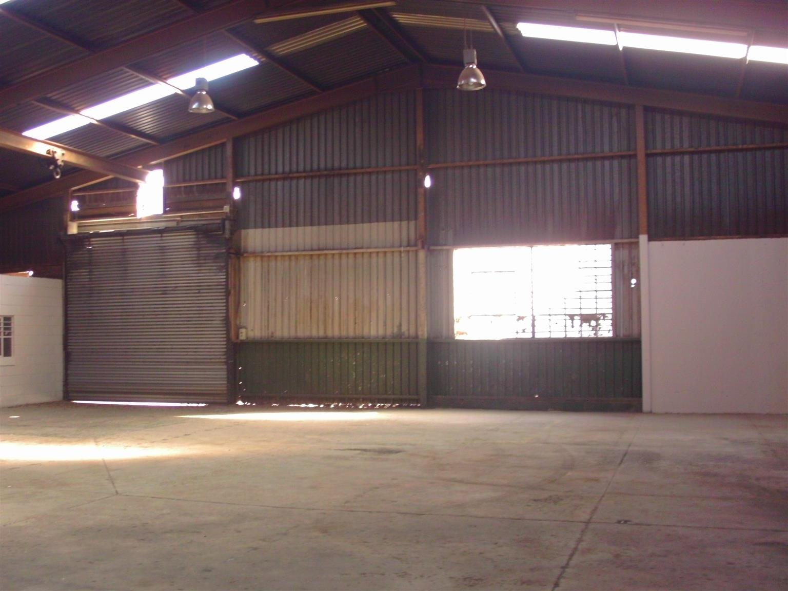 2758² Factory/Warehouse to let in the heart of Anderbolt, Boksburg.