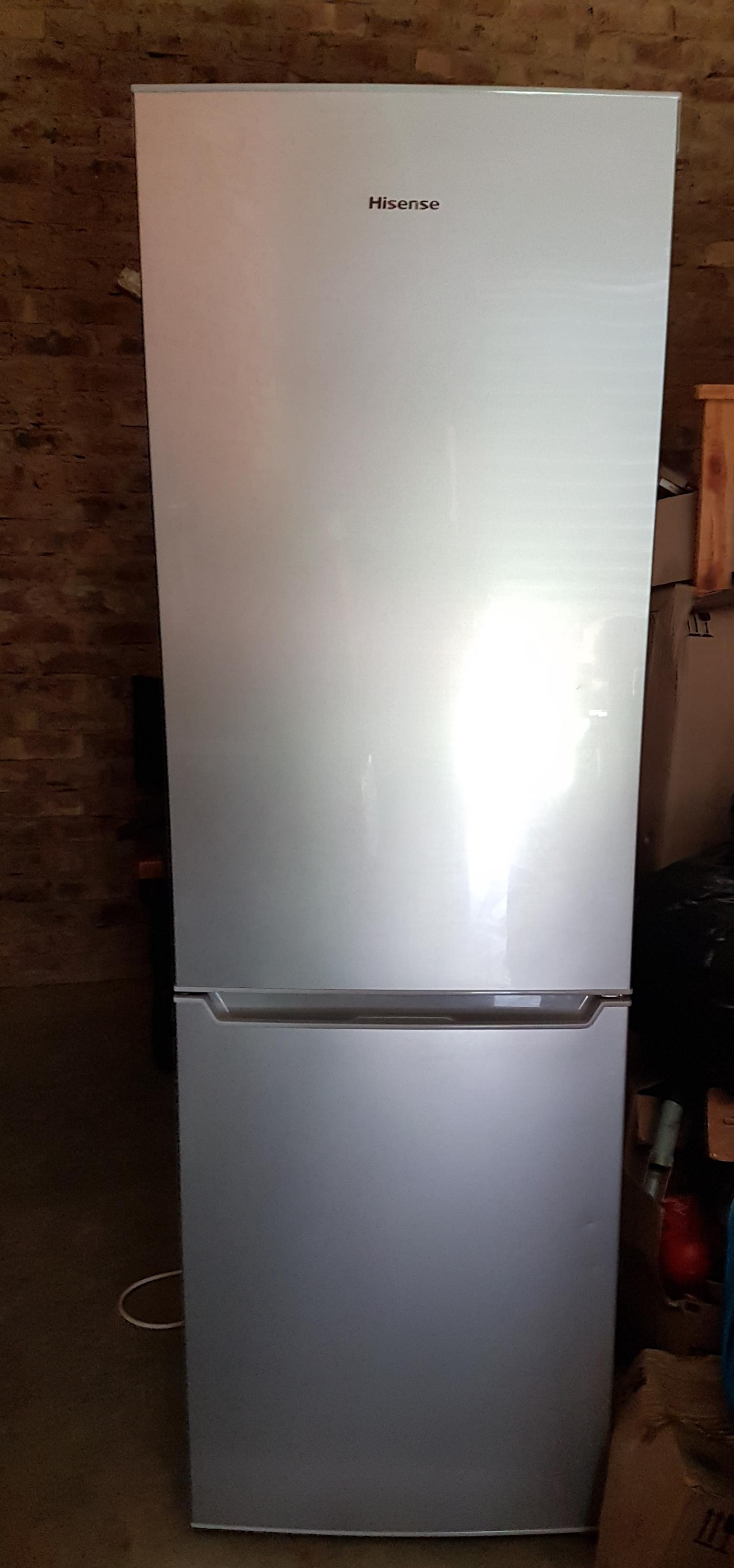 HISENSE FRIDGE / FREEZER COMBINATION - GREAT CONDITION!