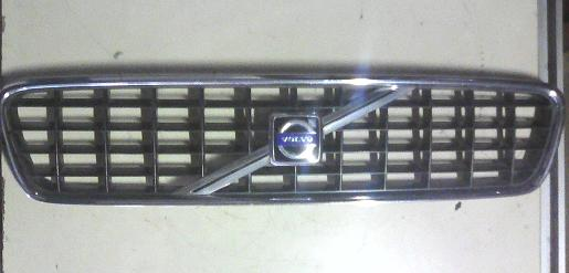 Volvo S40 II Pre Facelift Main Grille 2004 - 2008