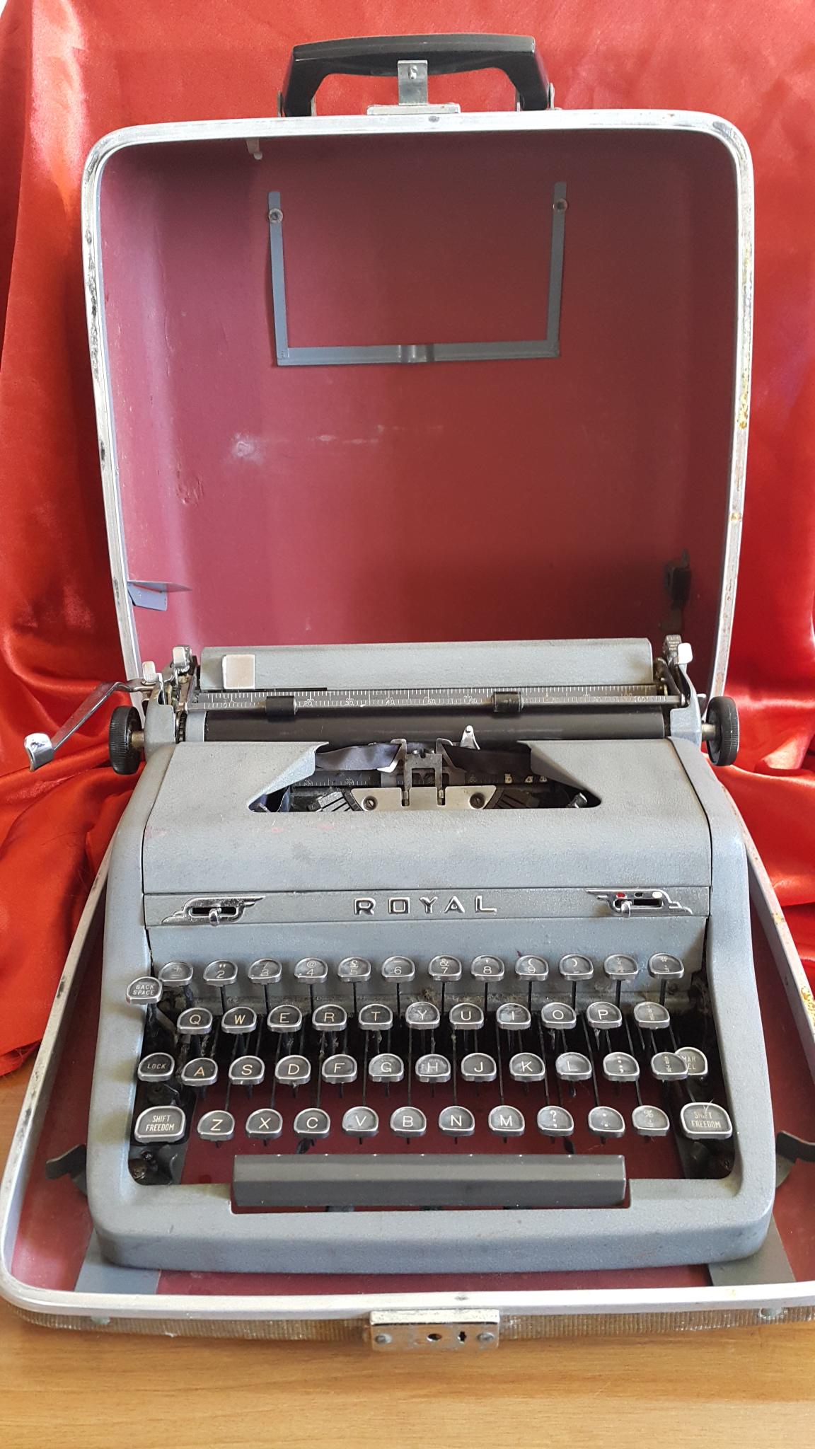 Royal vintage typewriter, serviced