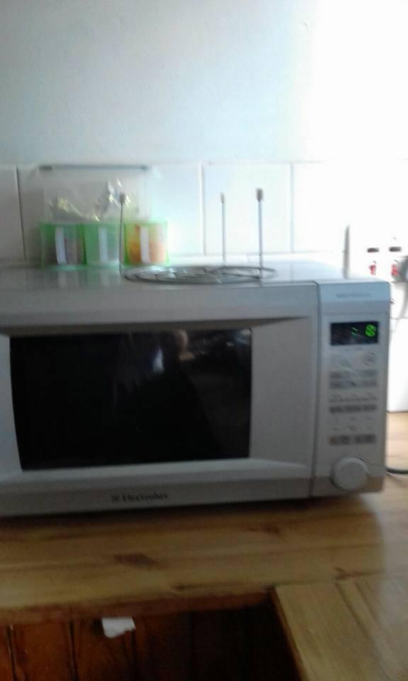 Elektrolux microwave oven