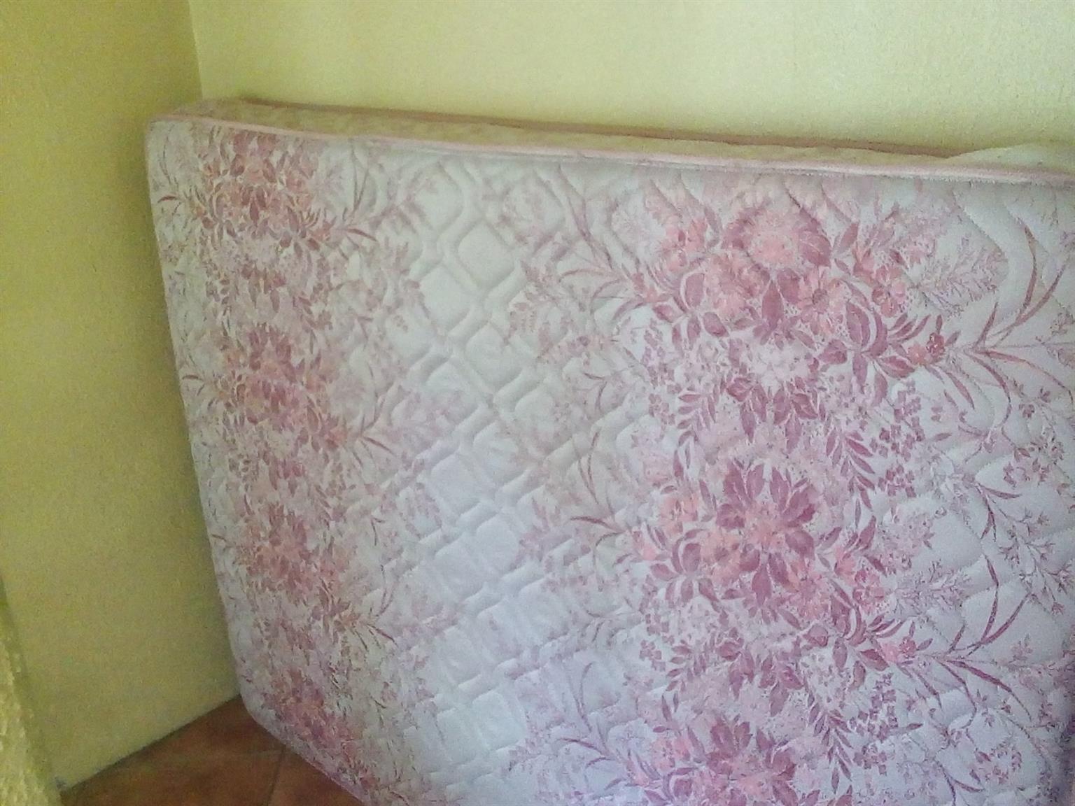 Edblo Comforter Double Bed Mattress for sale