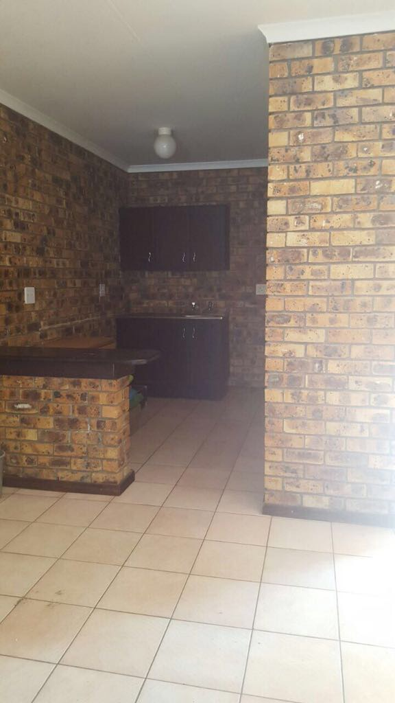Garden Flat to rent - Sonheuwel