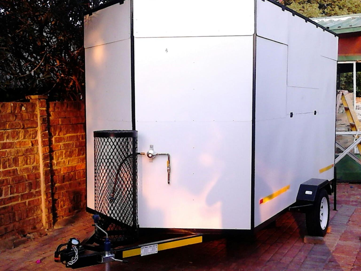 Mobile kitchen in excellent condition