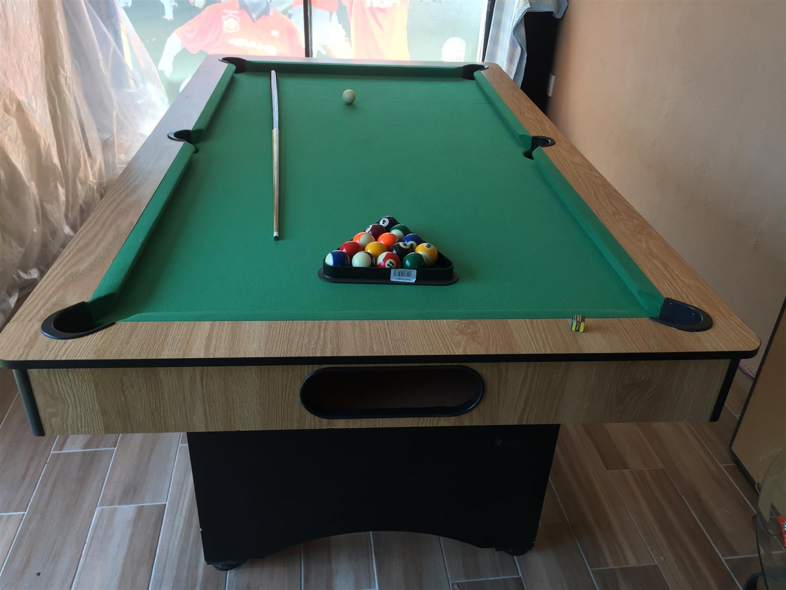 Shoot saloon style pool table for sale swop junk mail for Oak beauty pool table