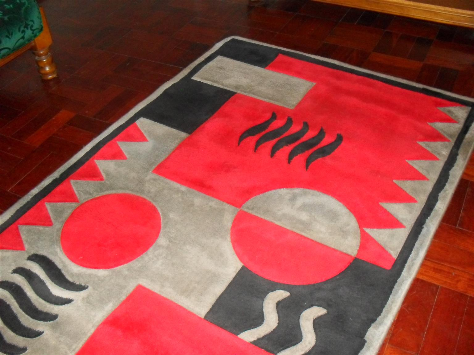 Carpet for sale in good condition Red, Grey, Black 120mm - 180mm   R900.00