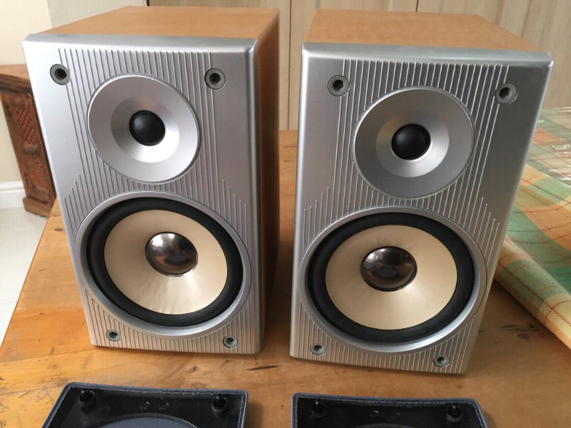 Denon USC G1 2 Way Bookshelf Speakers