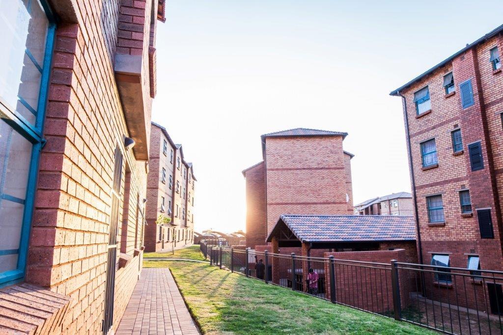 Beautiful Modern 2 Bed Apartment in Pretoria.