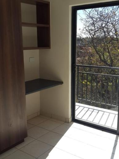 Semi bachelors flar +/- 1,4 km from campus – Females only