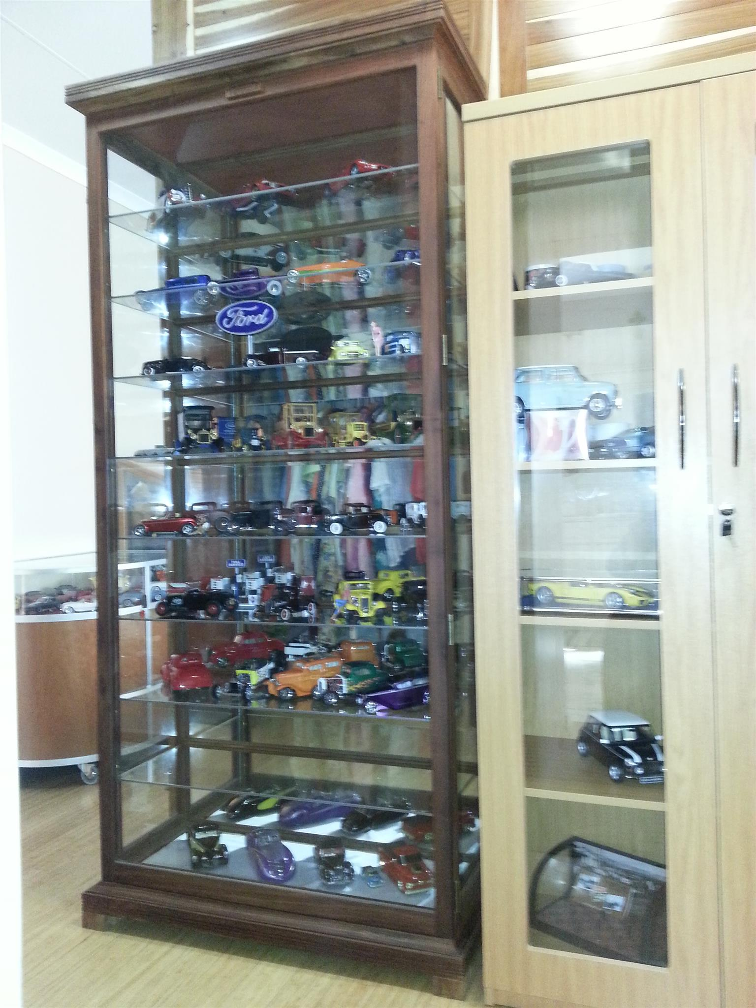 """Collectibles and Models """"Display Cabinets/ Show cases Custom made, Beautiful, Dust Proof !"""