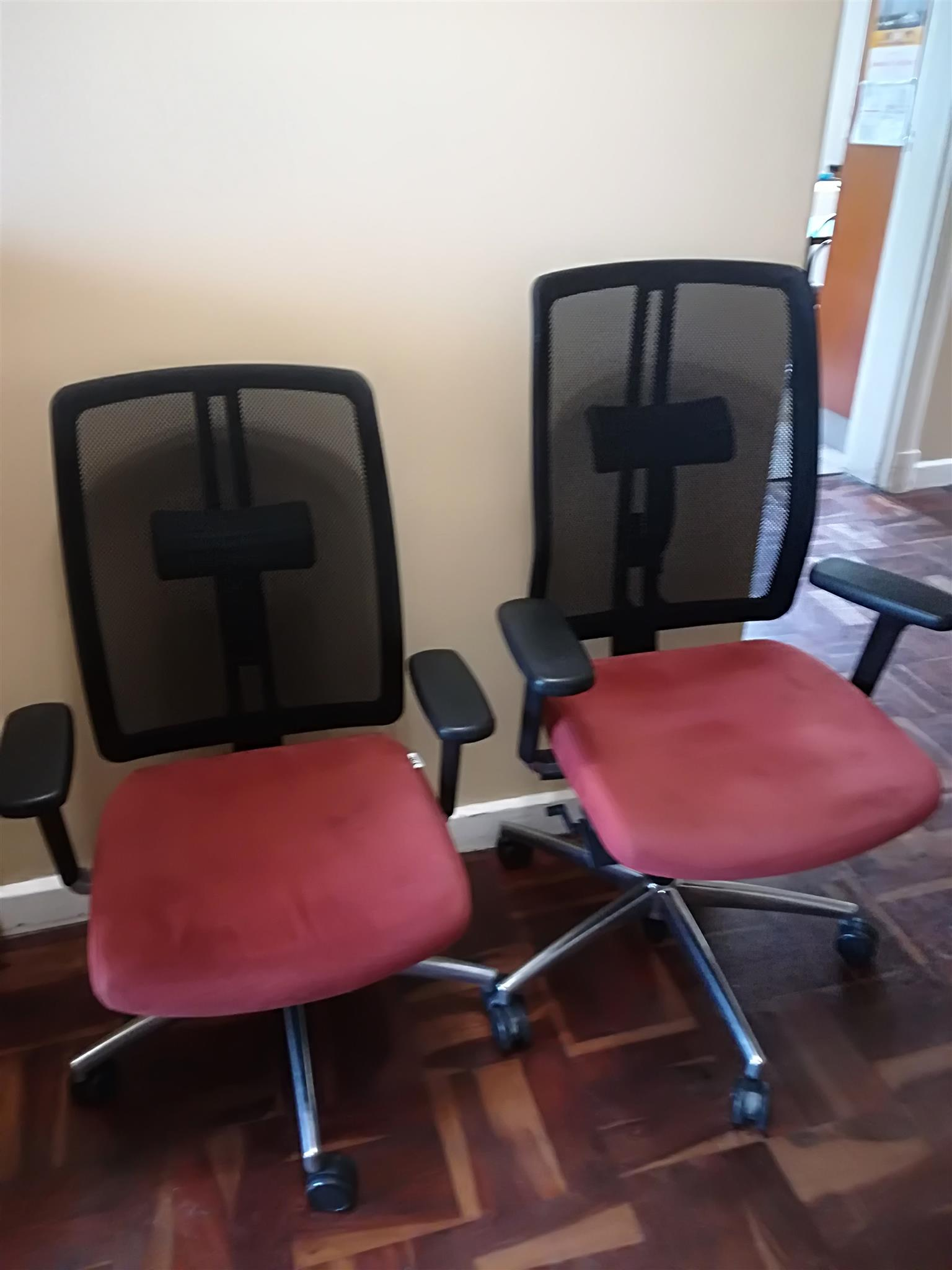 Dauphin office chairs