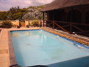 SPECIAL FOR WEEKEND OF 9 Nov  SLEEPS 20  PEOPLE  self catering holiday house in hibberdene beach 1km.