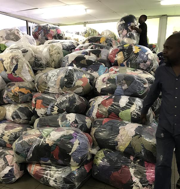 Secondhand clothing in bulk per kg