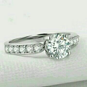 1 Carat round cut promise ring