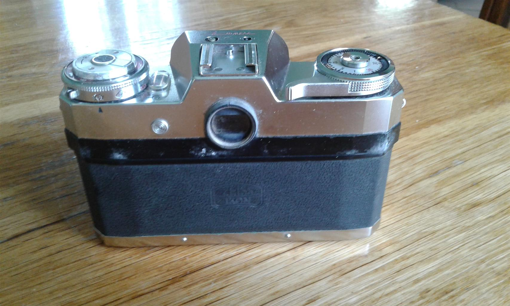 ZEISS IKON CAMERA