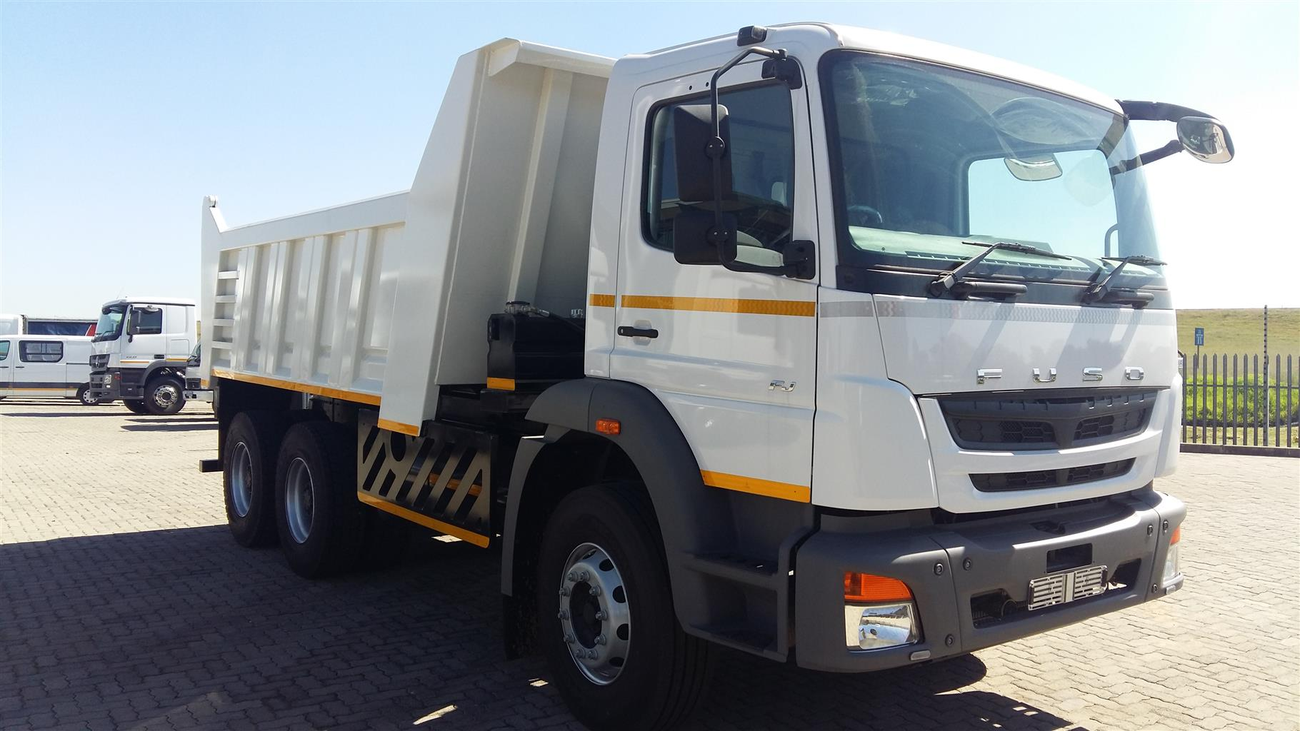 2018 Demo Fuso 10m Cube tipper Truck Special... Ready to work ! Basically Brand new !!!