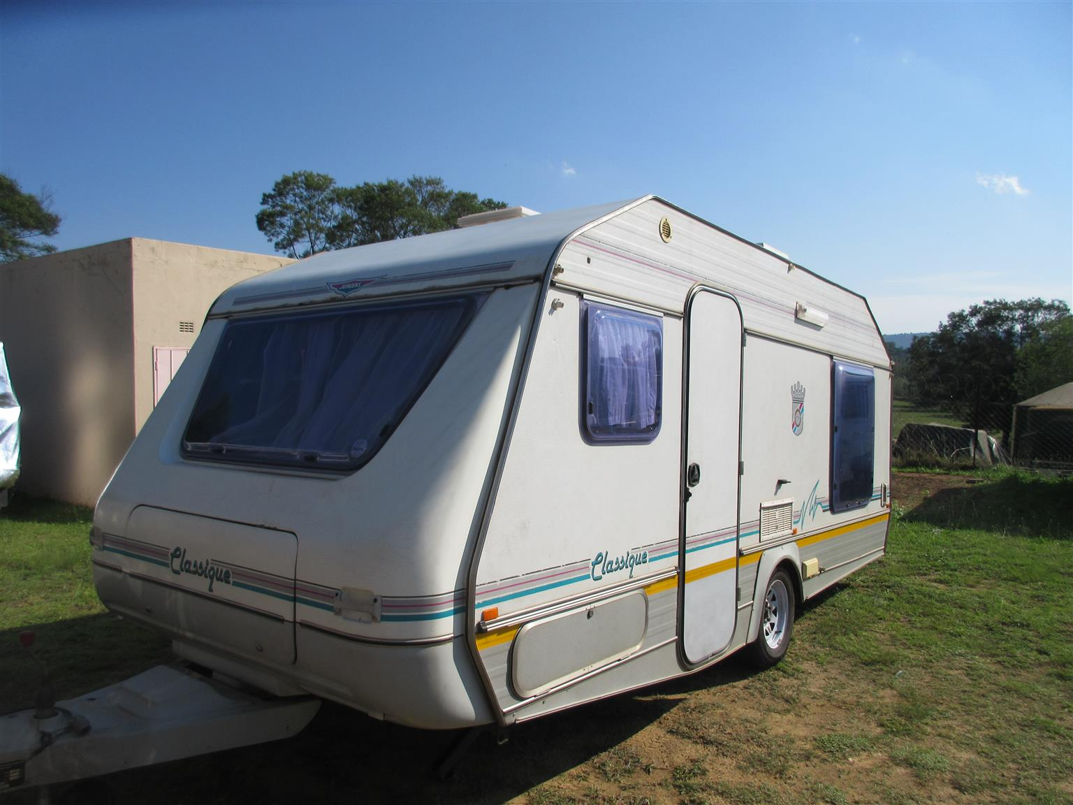 4 beth caravan for hire