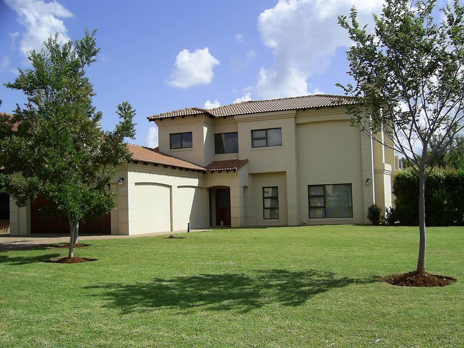 In Secure  Estate with Horse Riding, Boating, Golfing at Hartbeespoort Dam