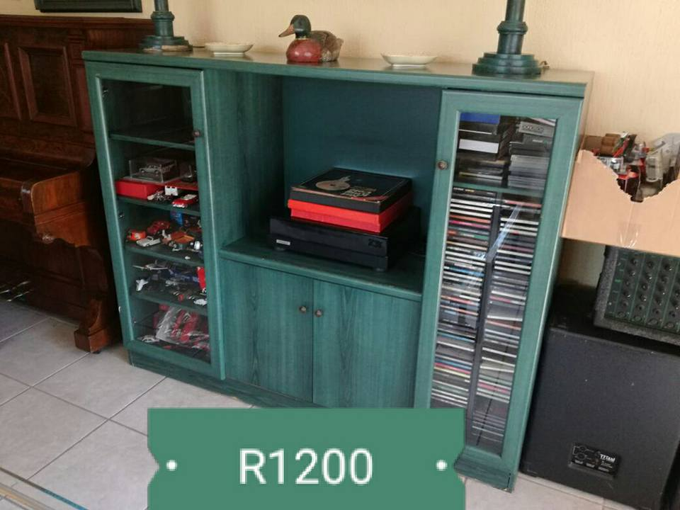 Blue wall unit for sale | Junk Mail