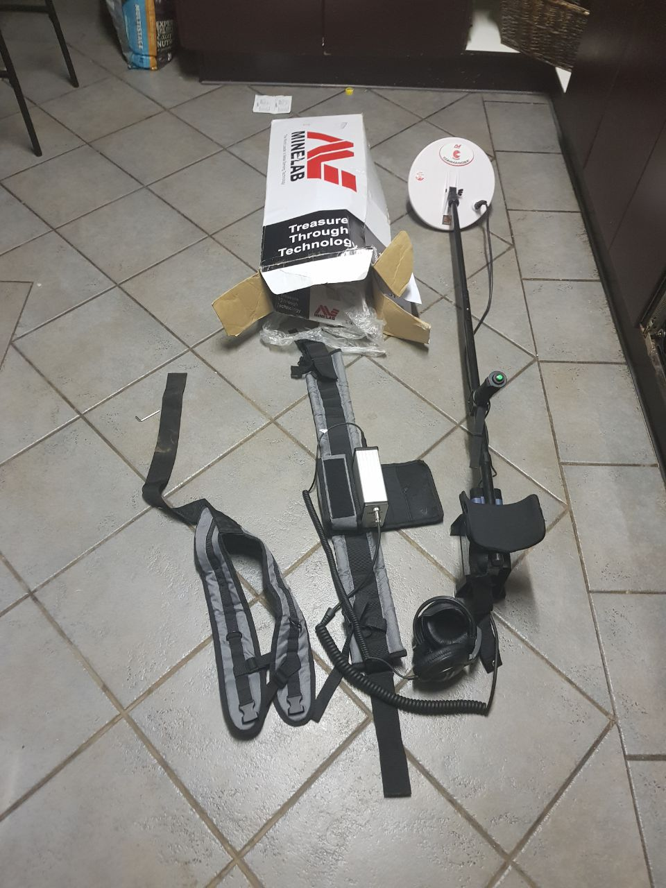 Minelab gpx 5000 gold detecter  still new with box
