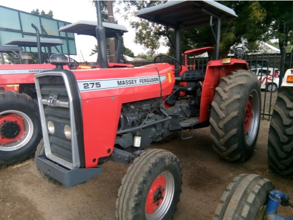 S2682 Red Massey Ferguson (MF) 275 53.7kW/72Hp 2x4 Pre-Owned Tractor
