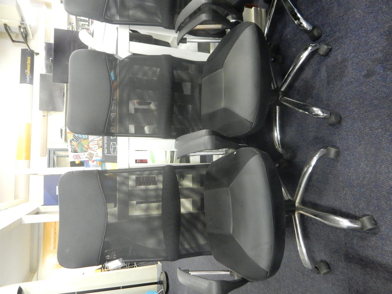 6x High back Office Chair on Wheels