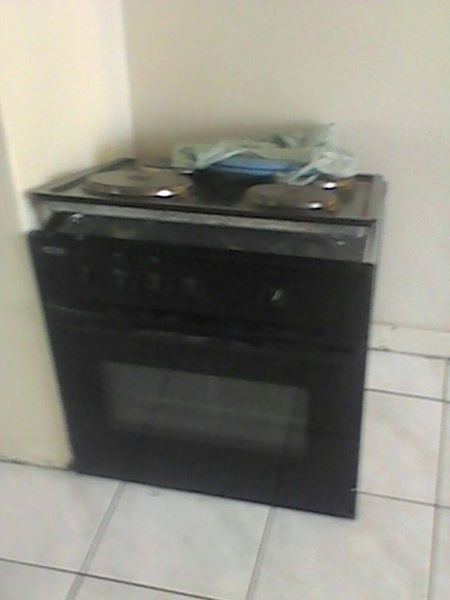 4plates and oven Stove