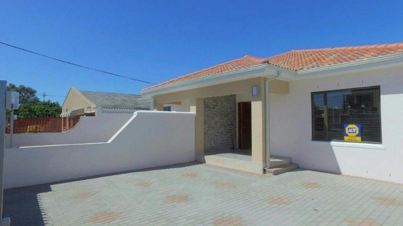 Goodwood: Brand New 3Bed Home/2Bath,Large Enclosed driveway/Sliding gate,Schools